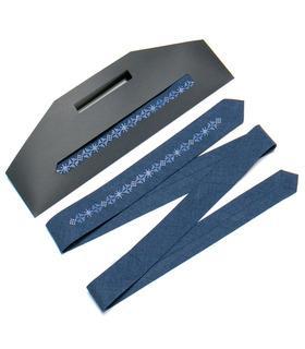 Вышитый узкий галстук 761