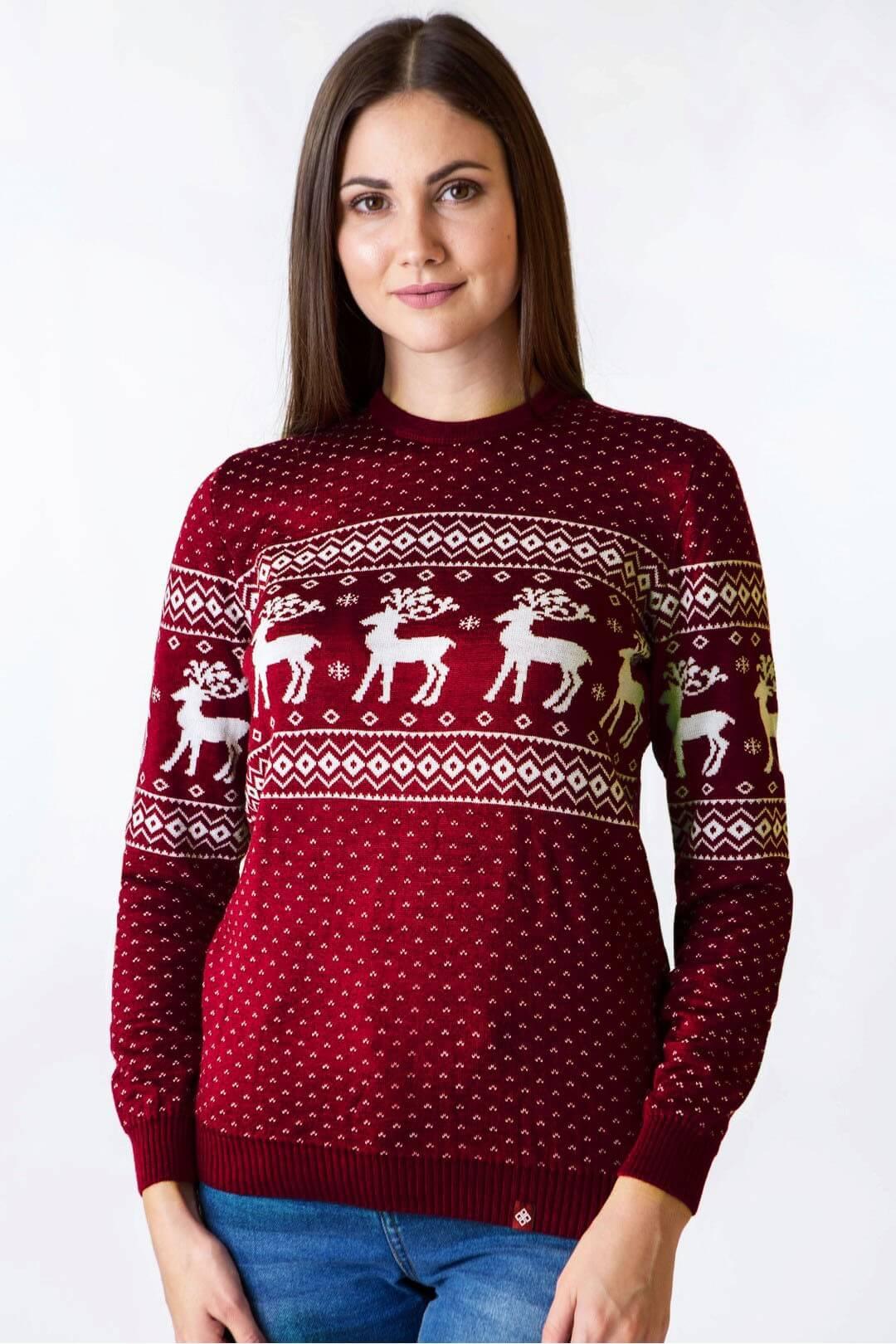 Жіночий в'язаний светр Олені мод.71