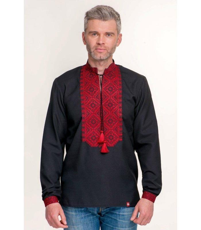 Чоловіча чорна вишита сорочка із червоною вишивкою.