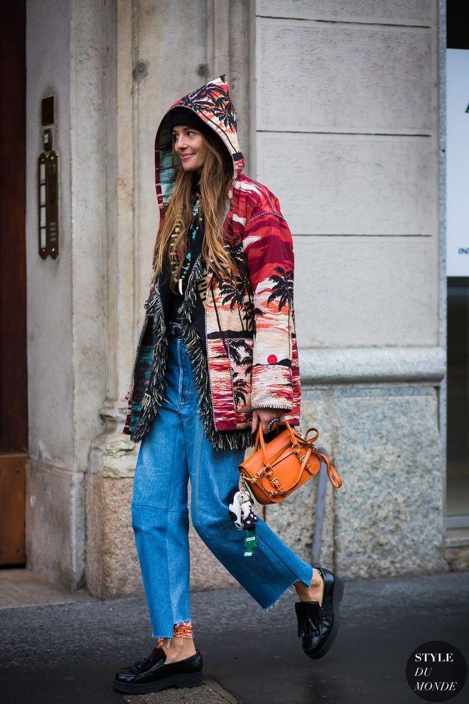 Якщо ти ще не перейшла на ботильйони, але так хочеться одягти круті укорочені брюки, скористайся стильною фішкою